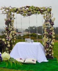 Here's a straight-on view of the splendid alter that was created for this wedding where our duo would perform with the view of San Francisco in the background. Summertime in the city, as often usually cold and overcast as it was today!