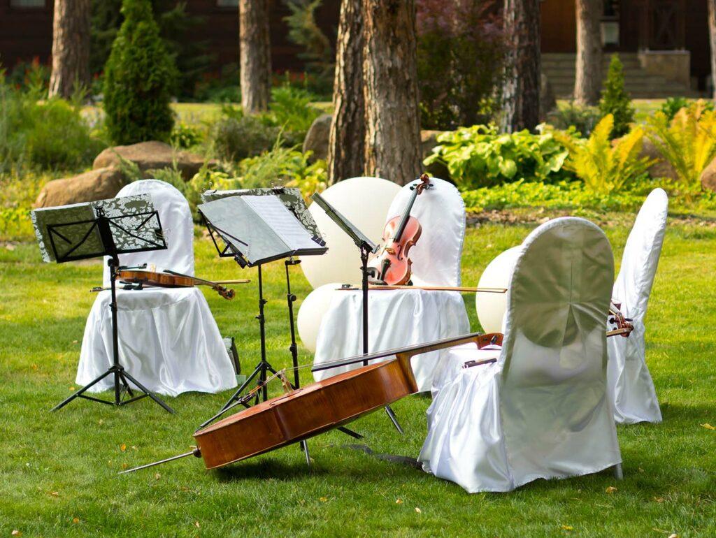 string quartet outdoor music